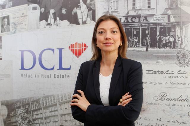 Paola Noguchi.